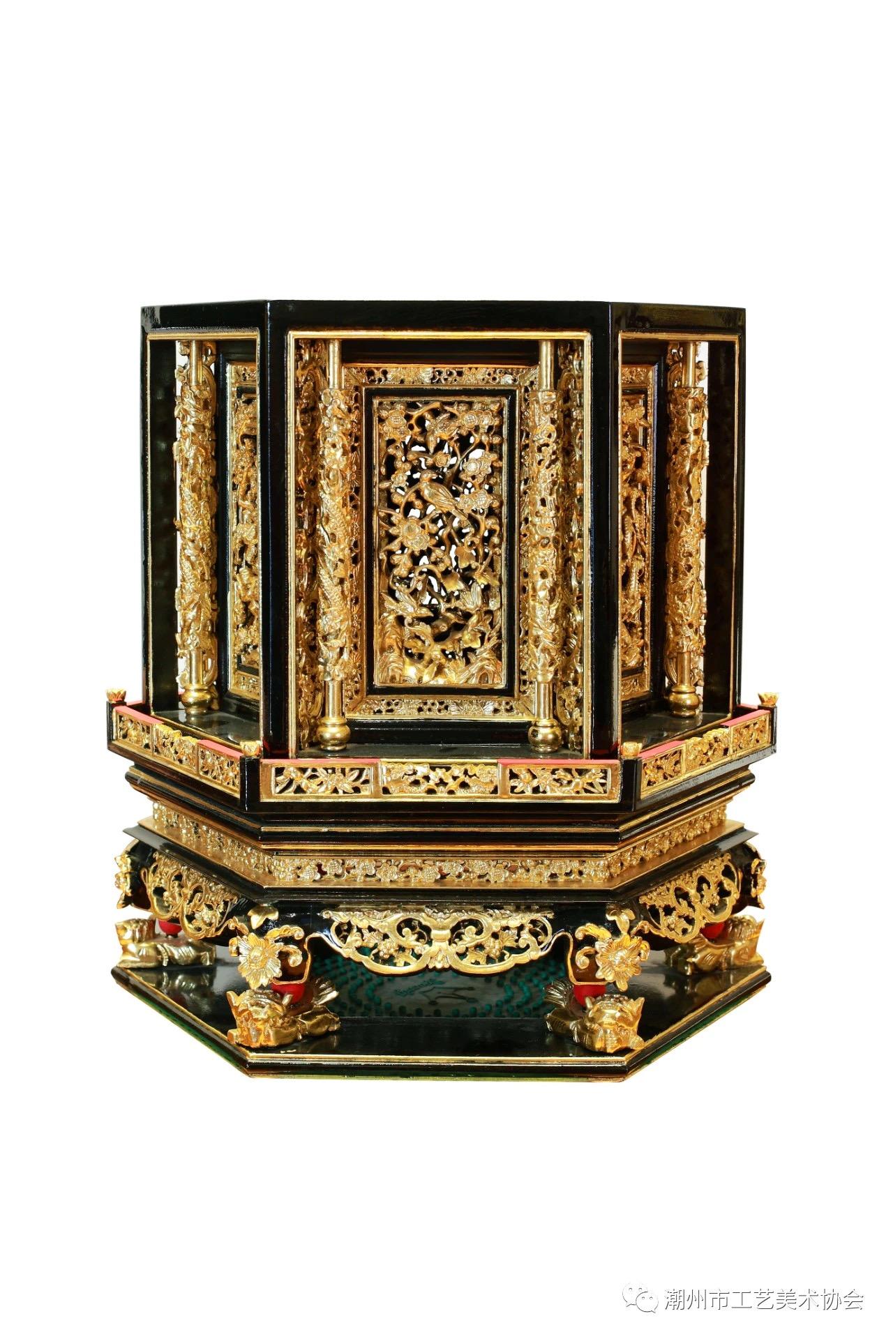 木雕:香炉罩.jpg